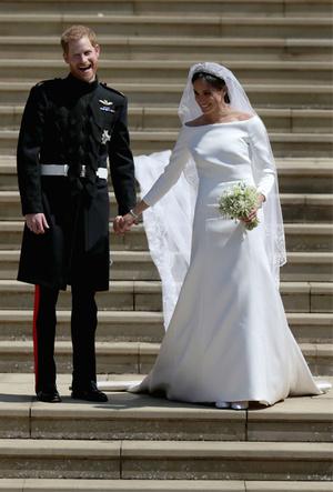 Фото №5 - Почему свадебное платье принцессы Евгении было удачнее, чем у Меган Маркл