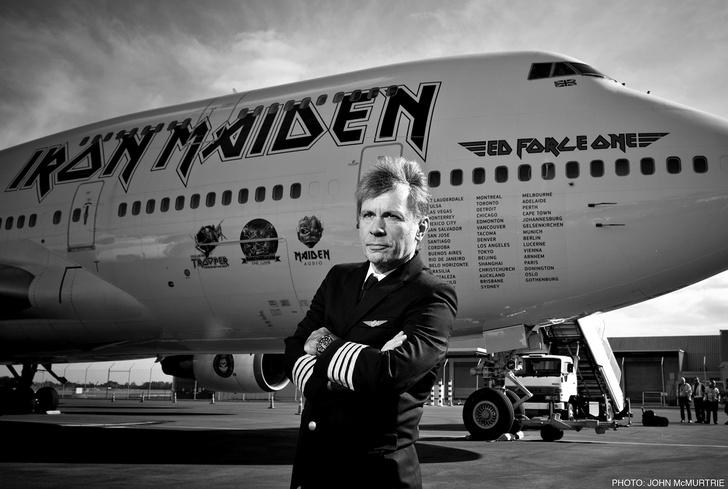 Фото №1 - Вокалист IRON MAIDEN привезет в Россию свое шоу «Вечер с Брюсом Дикинсоном»