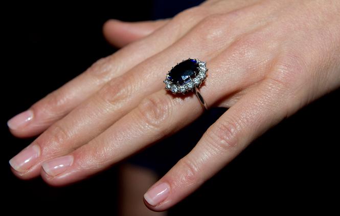 Фото №9 - История помолвочного кольца принцессы Дианы и Кейт Миддлтон