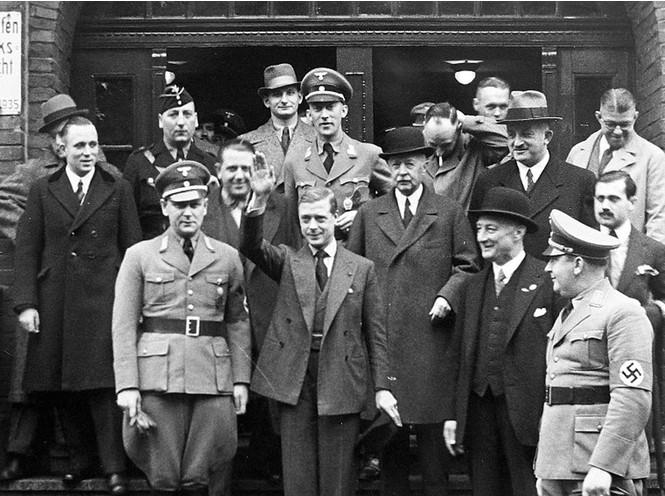 Фото №13 - История с отречением Эдуарда VIII: как Уоллис Симпсон стала проектом Гитлера