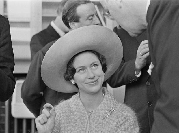 Фото №1 - Запрет на въезд в США и скандал в прессе: голливудские будни принцессы Маргарет