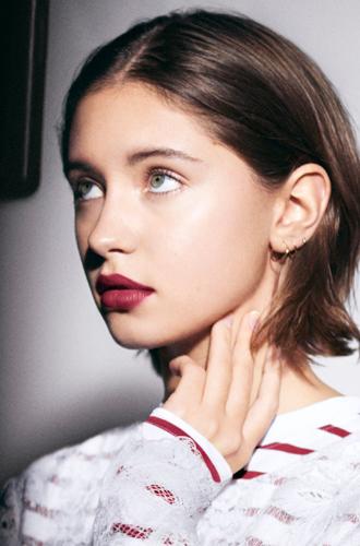 Фото №5 - Папина дочка: Айрис Лоу о себе, стандартах красоты и Burberry