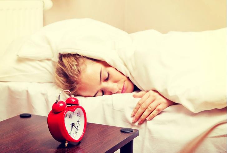 когда лучше ложиться спать и просыпаться