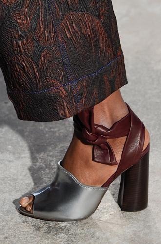 Фото №37 - Самая модная обувь сезона осень-зима 16/17, часть 2