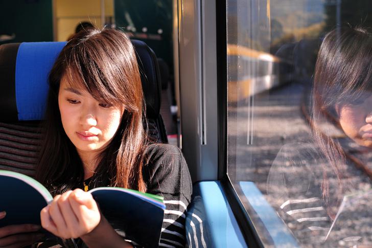 Фото №1 - Половина японских студентов отказалась от книг