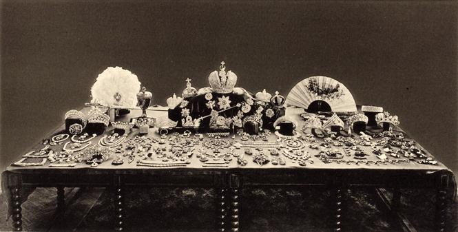 Фото №2 - Утраченные сокровища Империи: самые красивые тиары Романовых (и где они сейчас)