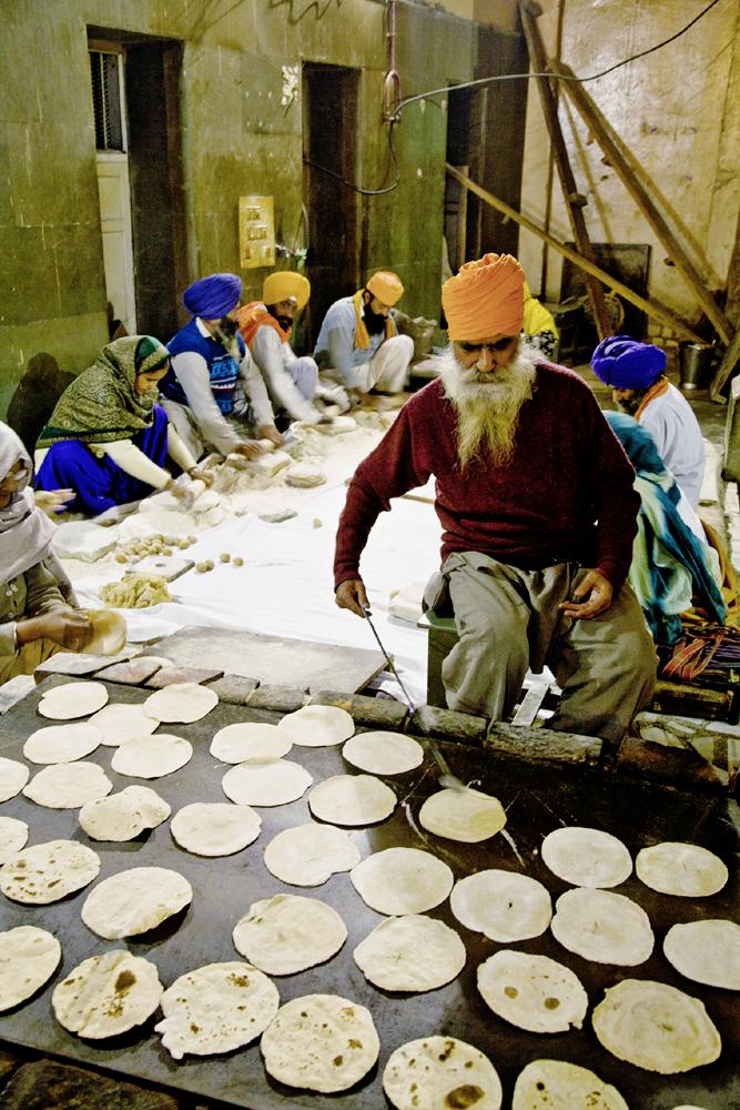 Фото №10 - Золотые люди: как устроена жизнь в Золотом храме Амритсара