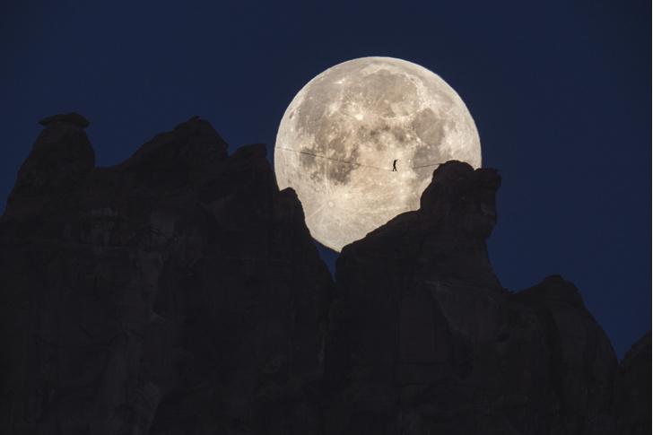 Фото №1 - Прогулка под луной