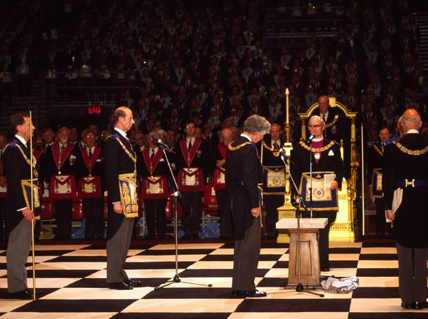 Фото №2 - Виндзоры и масоны: как британская королевская семья связана с братством вольных каменщиков