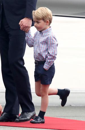 Фото №12 - Принцесса Шарлотта и принц Джордж: первые фото из Польши