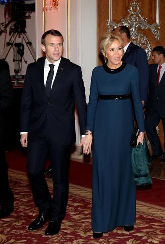 Фото №4 - Образы Брижит Макрон и Мелании Трамп в Африке: чей модный гардероб оказался удачнее