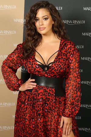 Правильное платье размера XXL: советы, которые помогут выглядеть стройнее