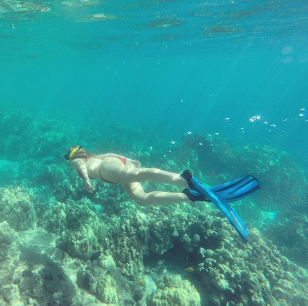 Фото №22 - Звездный Instagram: Знаменитости на море