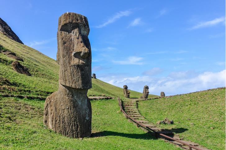 Фото №1 - Археологи назвали причину исчезновения цивилизации на острове Пасхи