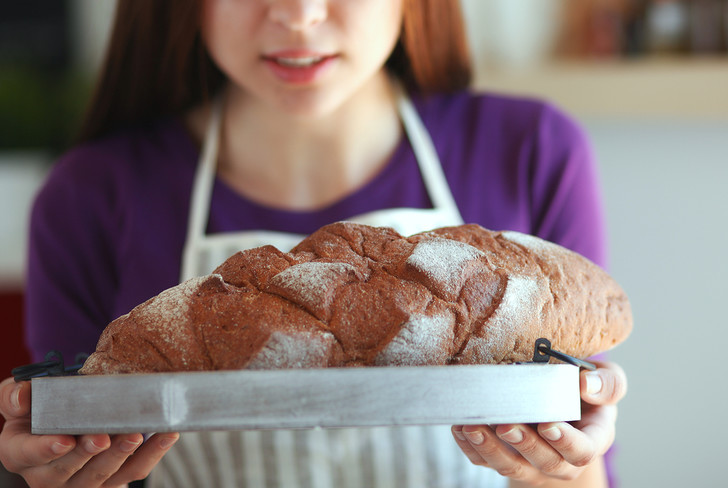 Что делать, когда девушка тебя слишком много кормит - советы диетолога
