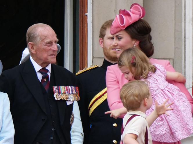 Фото №3 - Дедушка Их Высочеств: принц Филипп и его самые теплые отношения с внуками