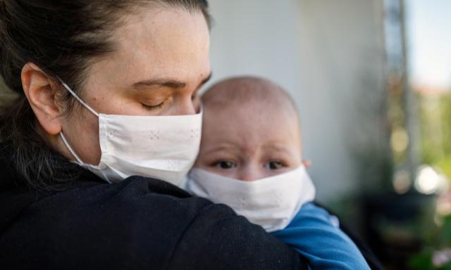 Врачи против: детям нельзя носить медицинские маски