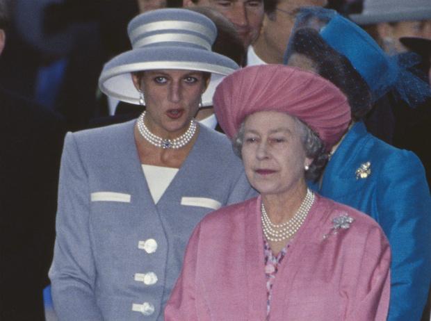 Фото №2 - Такие разные мамы: почему Королеве не нравилось, как Диана воспитывает детей