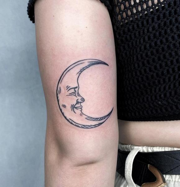 Фото №10 - Какие татуировки подойдут разным знакам зодиака? 👀