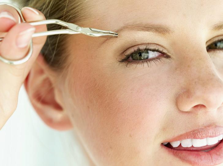 Фото №2 - Как правильно выщипывать брови: советы brow-мастера