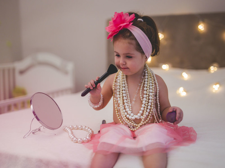 Фото №2 - Детская косметика: за и против