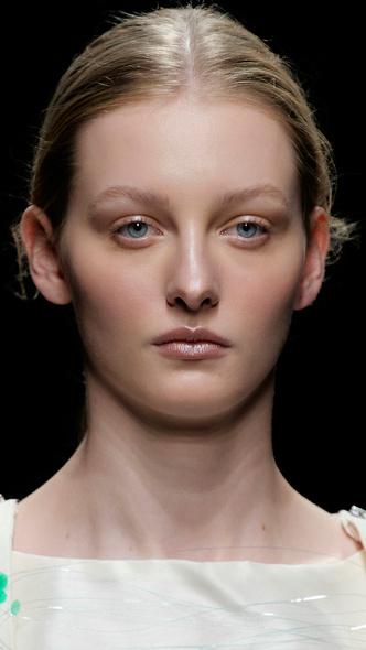Фото №5 - Главные тренды макияжа весны и лета 2021
