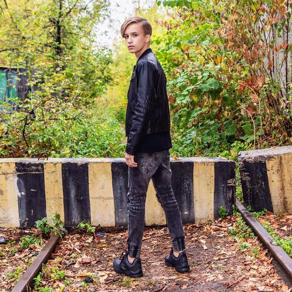 Миша Смирнов в свои 15 лет чувствует себя настоящей звездой