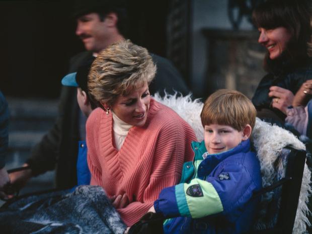 Фото №4 - Зачем герцогиня Меган изменила свидетельство о рождении Арчи