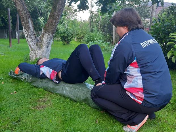 Фото №7 - 5 упражнений, которые прокачают все тело за 15 минут