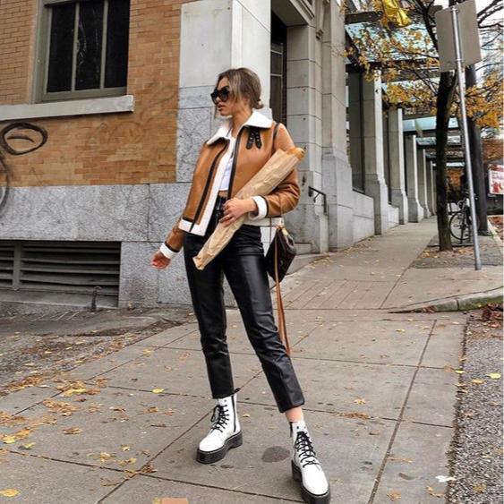 Фото №2 - 5 способов носить белые ботинки этой зимой