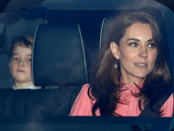 Фото №3 - К какой королевской традиции приучают принца Джорджа (и почему Диане бы это не понравилось)