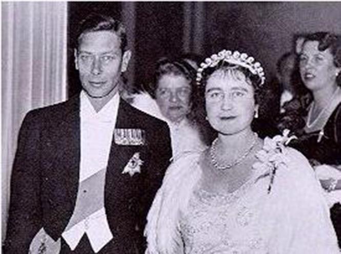 Фото №11 - Почему герцогиня Кембриджская так любит тиару «Узелки любви»