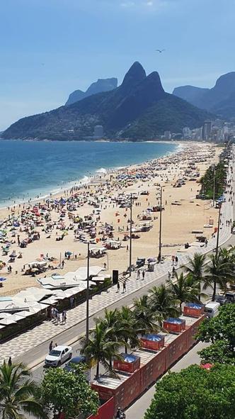 Фото №14 - Курортный роман: 10 ароматов, которые перенесут на пляж
