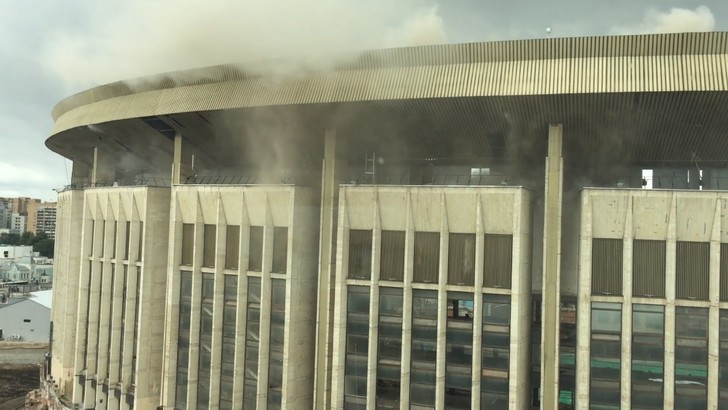 Фото №1 - Как взорванный внутри «Олимпийский» выглядит с воздуха (видео)