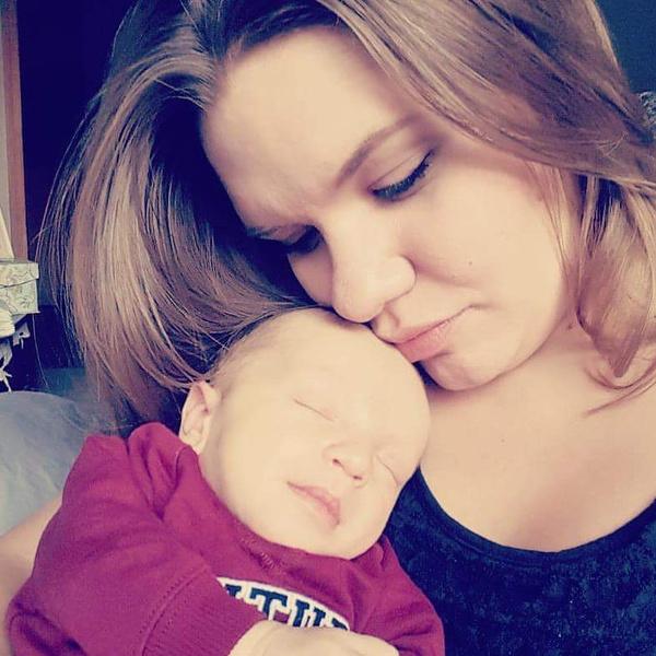 Кейси и ее младшенький.