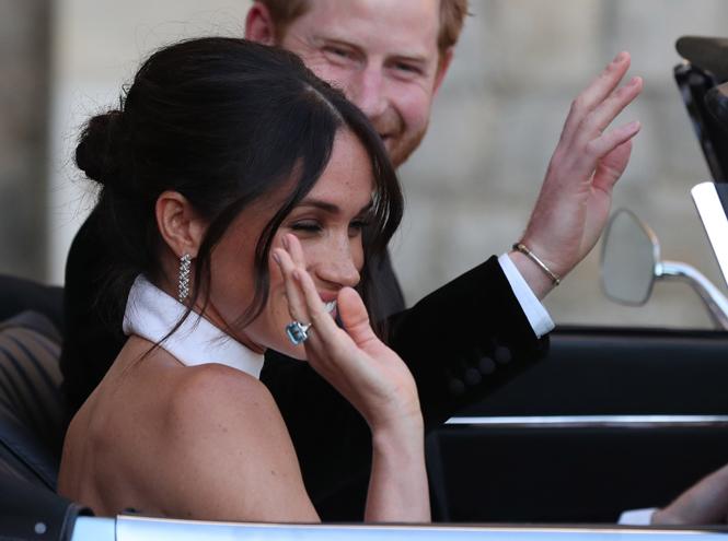 Фото №5 - Как принцесса Диана «присутствовала» в каждой детали свадебной церемонии Гарри и Меган