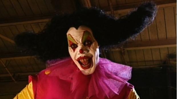 Фото №10 - Самые жуткие и пугающие ужастики про клоунов-убийц 🔪