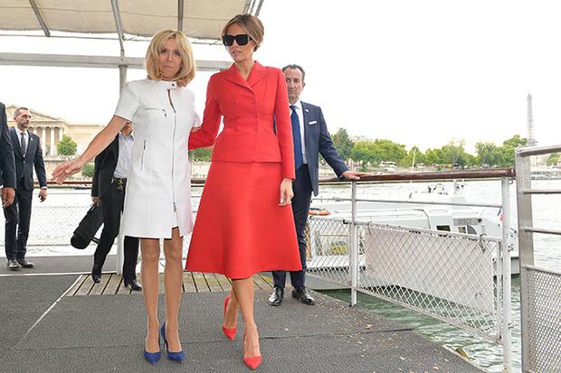 Фото №1 - Первые подруги: Мелания Трамп и Бриджит Макрон в Париже
