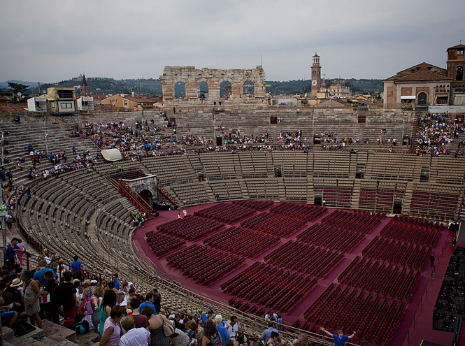 Фото №6 - Оперный сезон в Европе: какие музыкальные фестивали посещают аристократы и политики