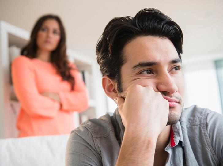 Фото №1 - Понять, простить, забыть: 10 признаков того, что он теряет к вам интерес