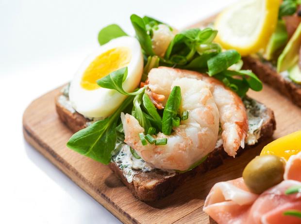 Фото №6 - Сморреброд: 5 рецептов популярного датского блюда