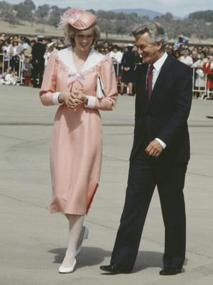 Фото №4 - От персикового до фуксии: как принцесса Диана носила розовый цвет (и почему он ей так шел)