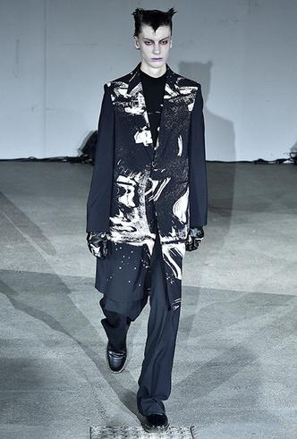 Фото №13 - 11 трендов c Недель мужской моды SS19, которые пригодятся не только мужчинам