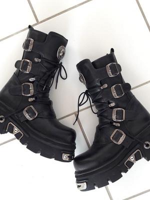 Фото №10 - В тренде: какую обувь носить осенью 2020