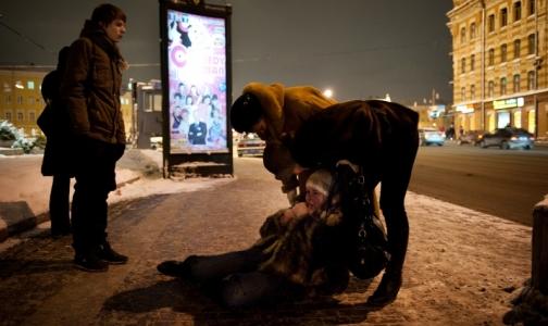 Фото №1 - Более 2,5 тысяч петербуржцев, пострадавших от гололеда, вызывали «Скорую помощь»