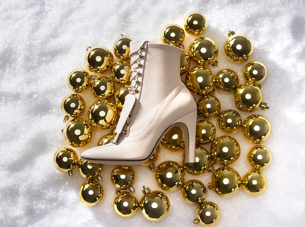 Фото №1 - Как подобрать обувь к новогоднему наряду: 5 спасительных идей