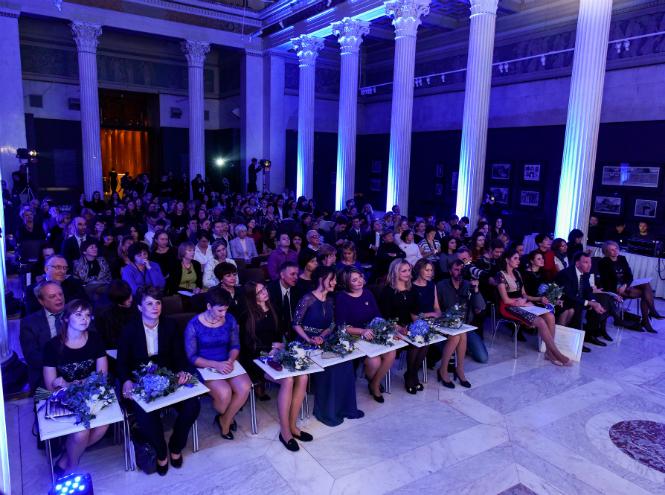 Фото №1 - L'oreal и Unesco назвали самых талантливых и перспективных женщин-ученых России