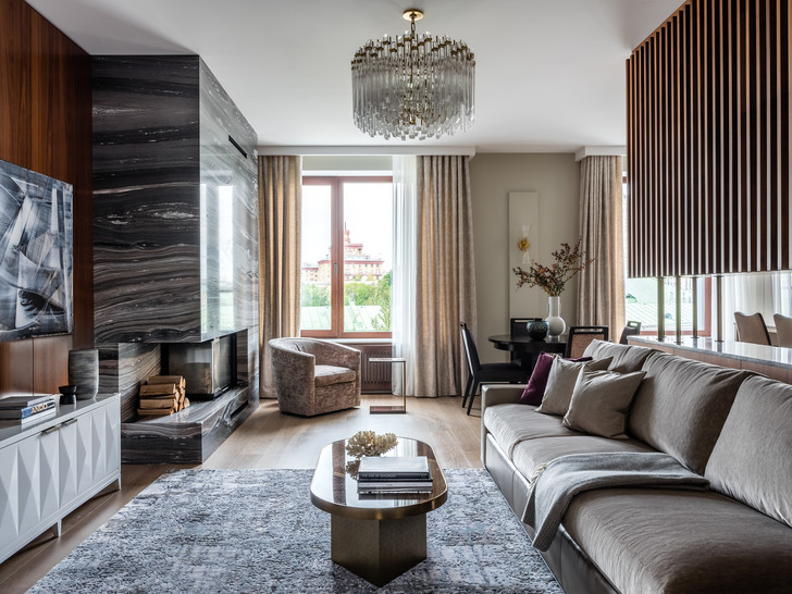 Фото №1 - Двухэтажная квартира с дровяным камином в центре Москвы