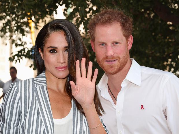 Фото №1 - Парный выход: Принц Гарри и Меган Маркл на свадьбе друзей