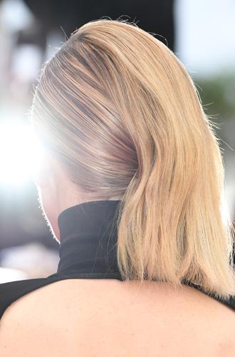 Фото №9 - Как необычно уложить волосы: 10 новых идей с красной дорожки Каннского фестиваля-2018